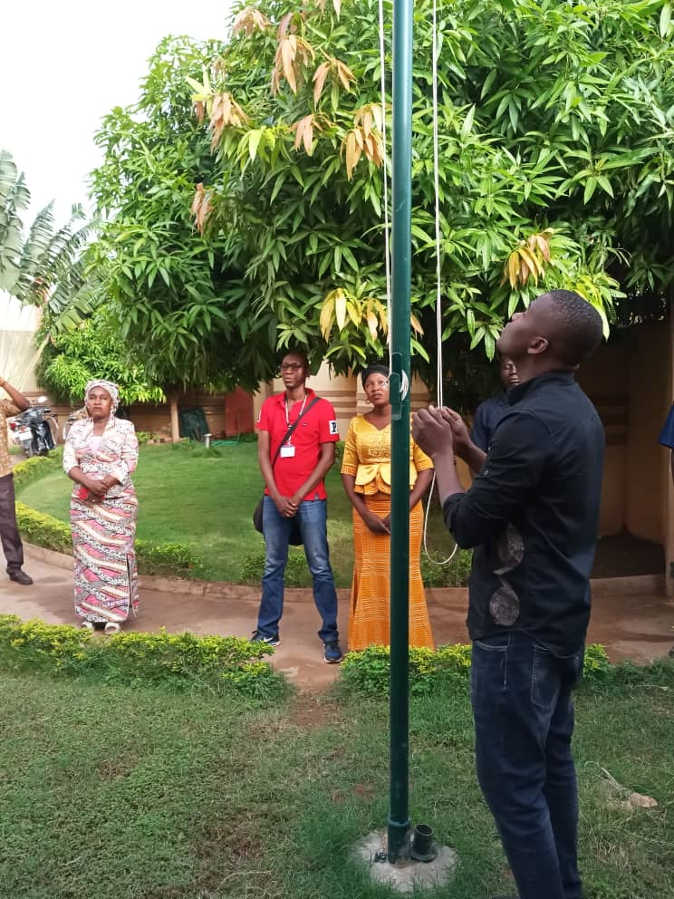 Montée des couleurs à la Société Burkinabé de Télédiffusion (SBT)